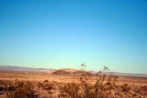 Las Vegas yolun'da çöl manzaraları