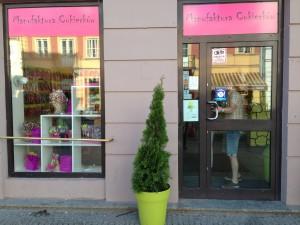 Varşova'da Şeker Bir Dükkan; Manufaktura Cukierkow…