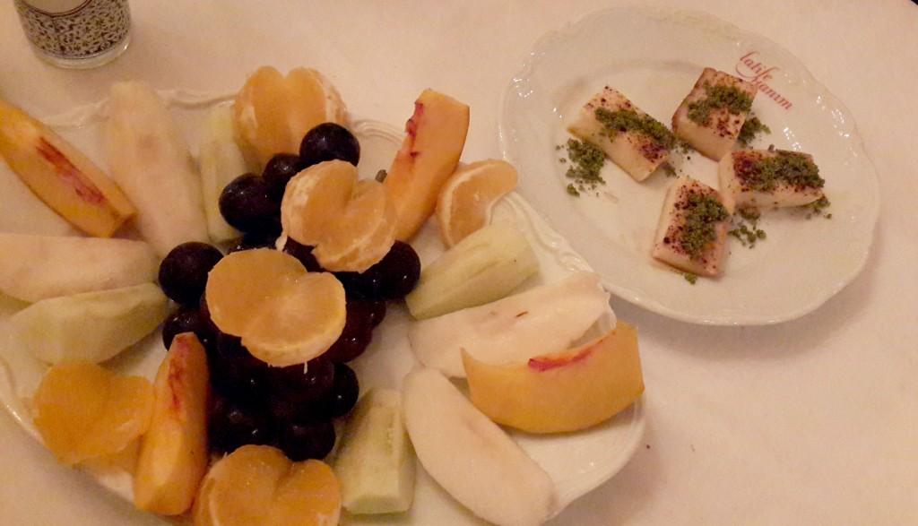 Meyve Tabağı ve Arnavut İrmiği