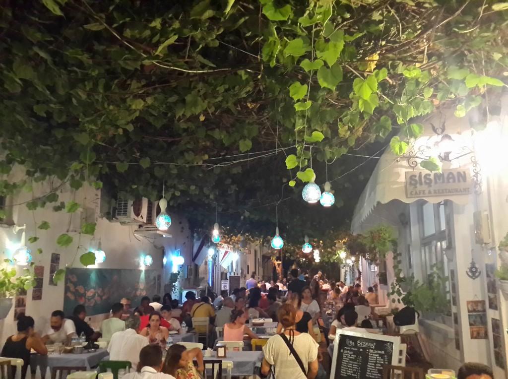 Rum Mahallesi'nin Hareketli Sokakları!
