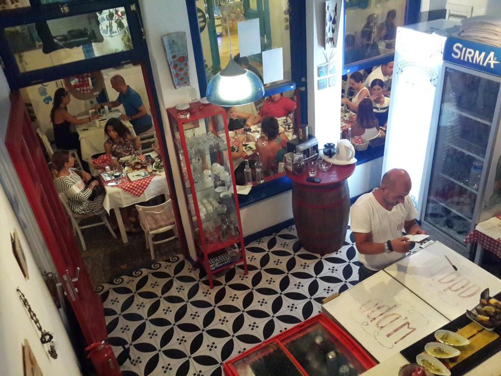 Ada'm Bozcaada Çok Şık Bir Restoran!