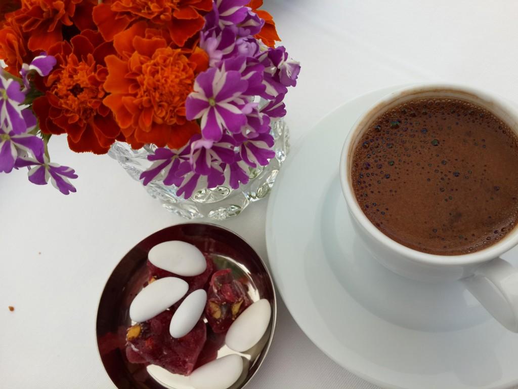 Kahvaltı Üstüne Günün Kahvesi