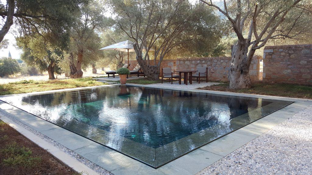 Villamın havuzu