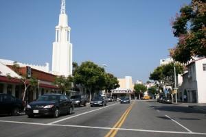 Westwood Hollywood filmlerinin galalarının yapıldığı sinemalara sahip