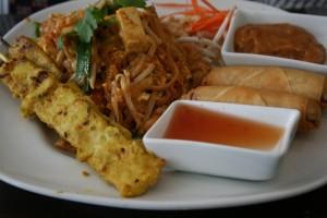 Pad Thai, Tavuk Stay ve Sebzeli Börek