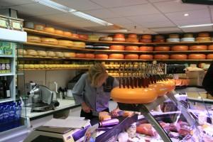 Meşhur Hollanda peynirlerinden almadan dönmeyin!
