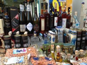 Ois'da Yunan Ürünleri Satan Mağaza Tezgahı