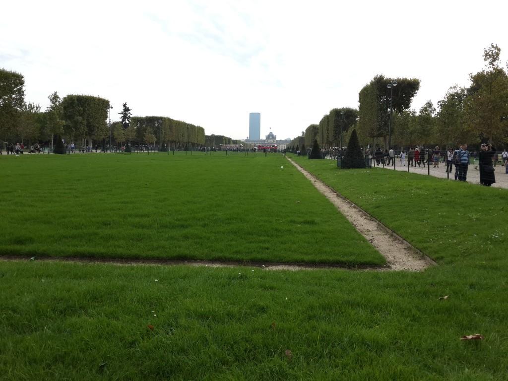 Eyfel Kulesi Önündeki Park