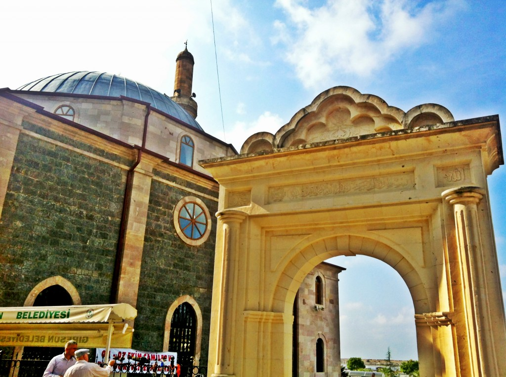 Hacı Miktad Camii