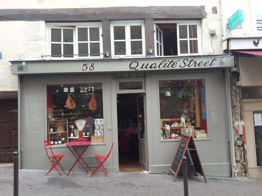 Rue Descartes Yakınlarındaki Bir Cafe