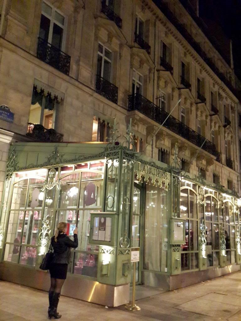 Champs Elysees'deki Laduree
