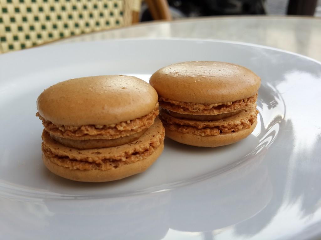 Kahveli Macaron