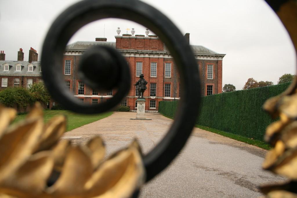 Prenses Diana'nın bir zamanlar yaşadığı Kensington Sarayı