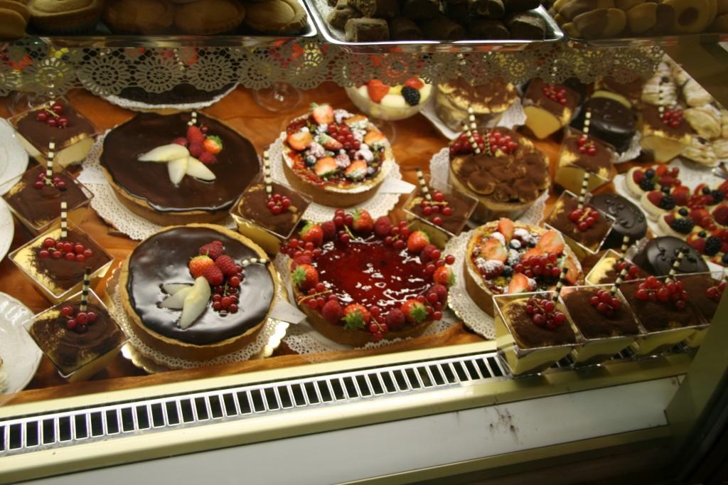 Nefis İtalyan Tatlıları