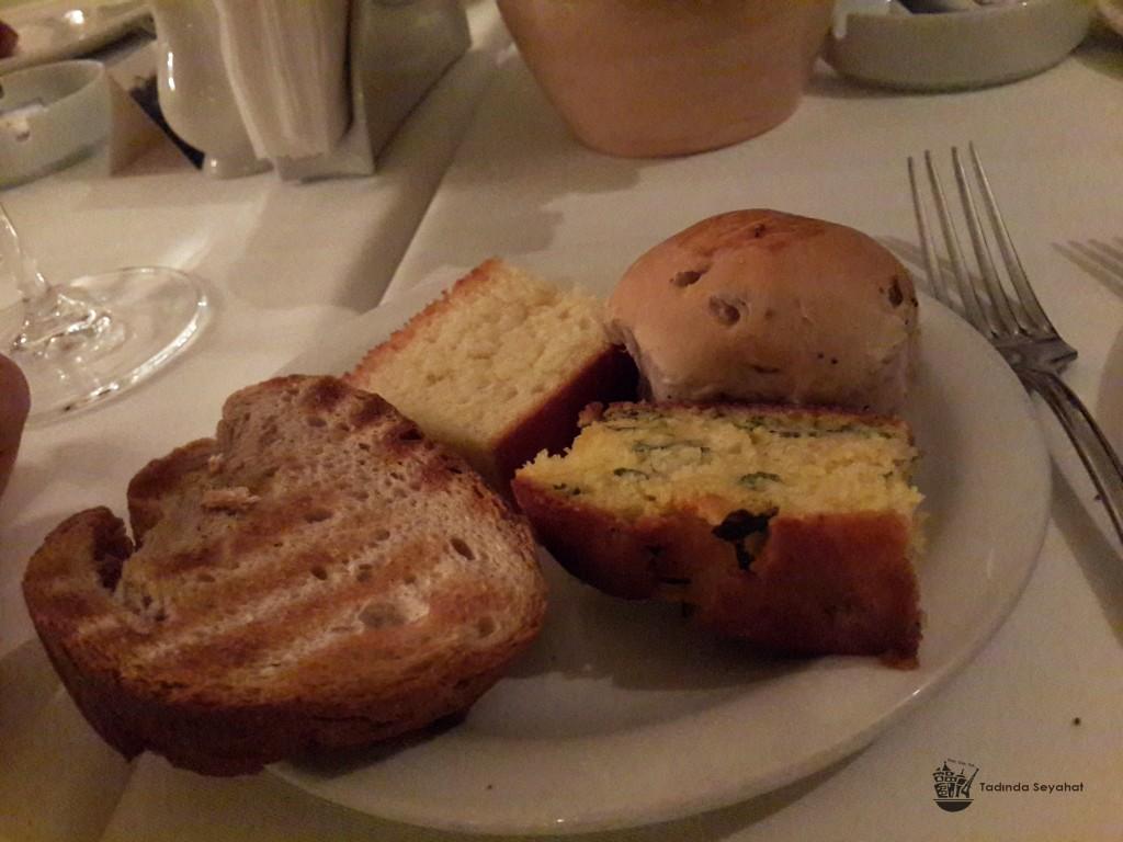 Ekmeklerin Lezzetine Kapılıp Fazla Yemeyin!
