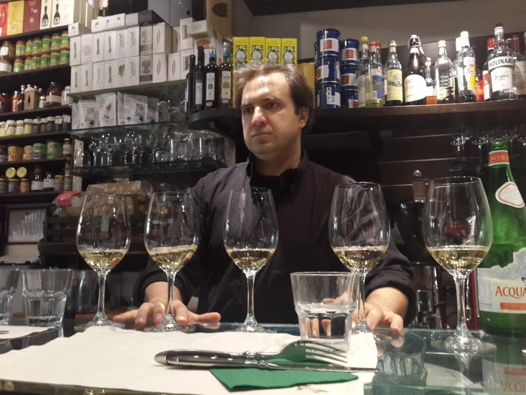 Roscioli adlı Şarküteri/Restoranda Şarap Tadımı Yapmanızı Tavsiye Ederim...