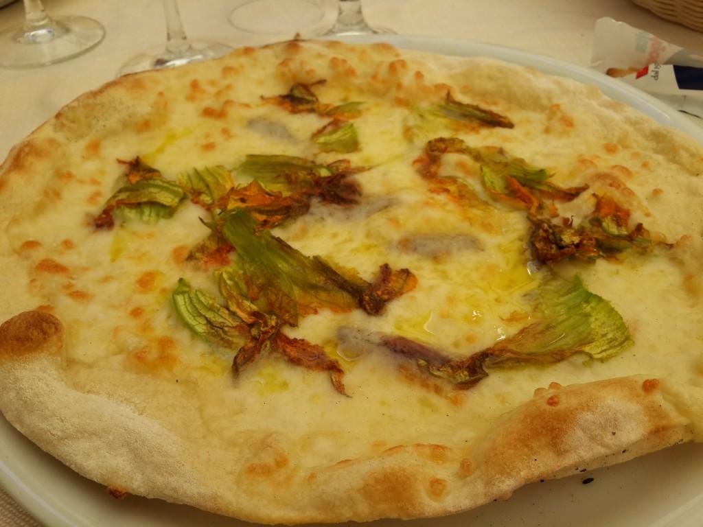 Ançüezli ve Kabak Çiçekli Pizza-Da Luigi