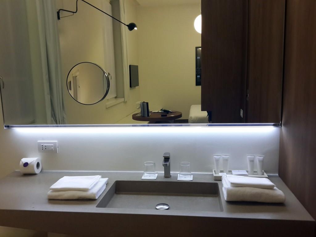 Banyo'da Farklı Tasarımı İle Dİkkat Çekiyor