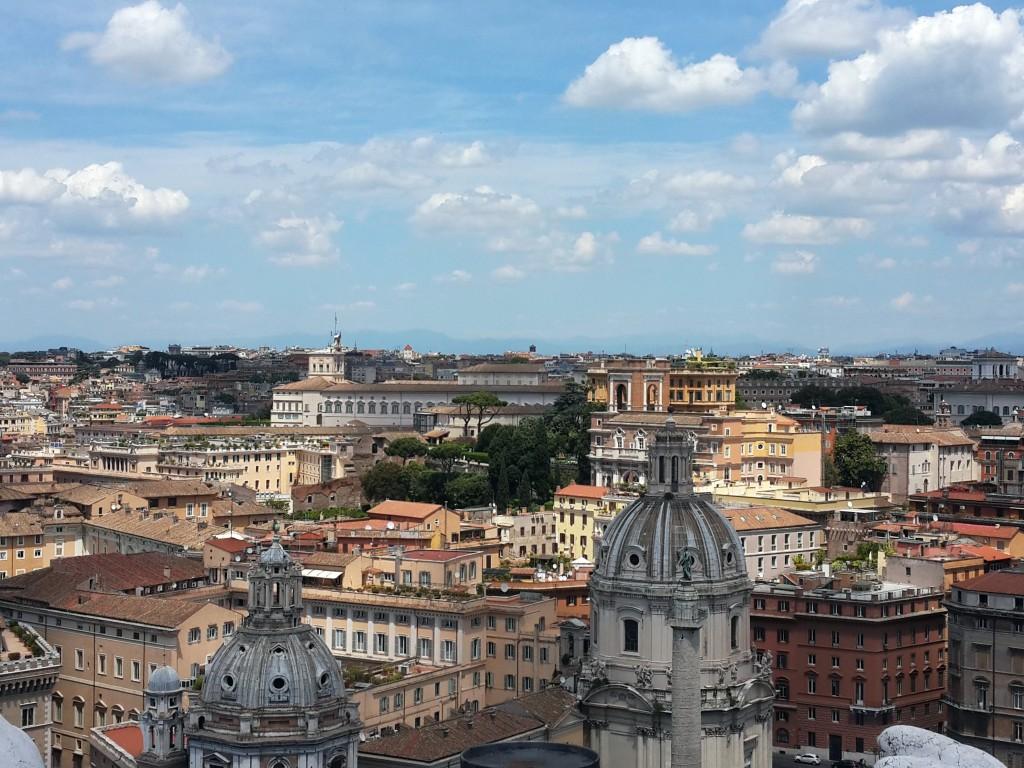 II Vittoriano'nun Tepesinden Roma
