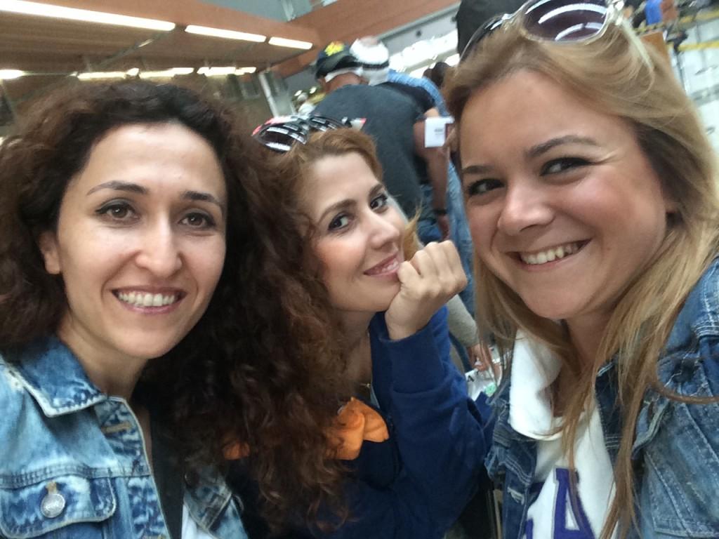 Bütün Kızlar Toplandık Napoli'ye Gittik!