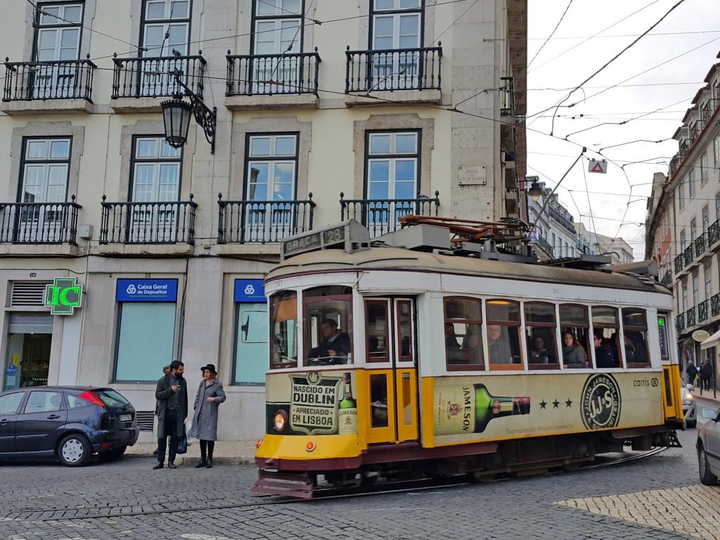 Alacağınız hop-on hop-off kartıyla tramvaylardan da faydalanabiliyorsunuz...