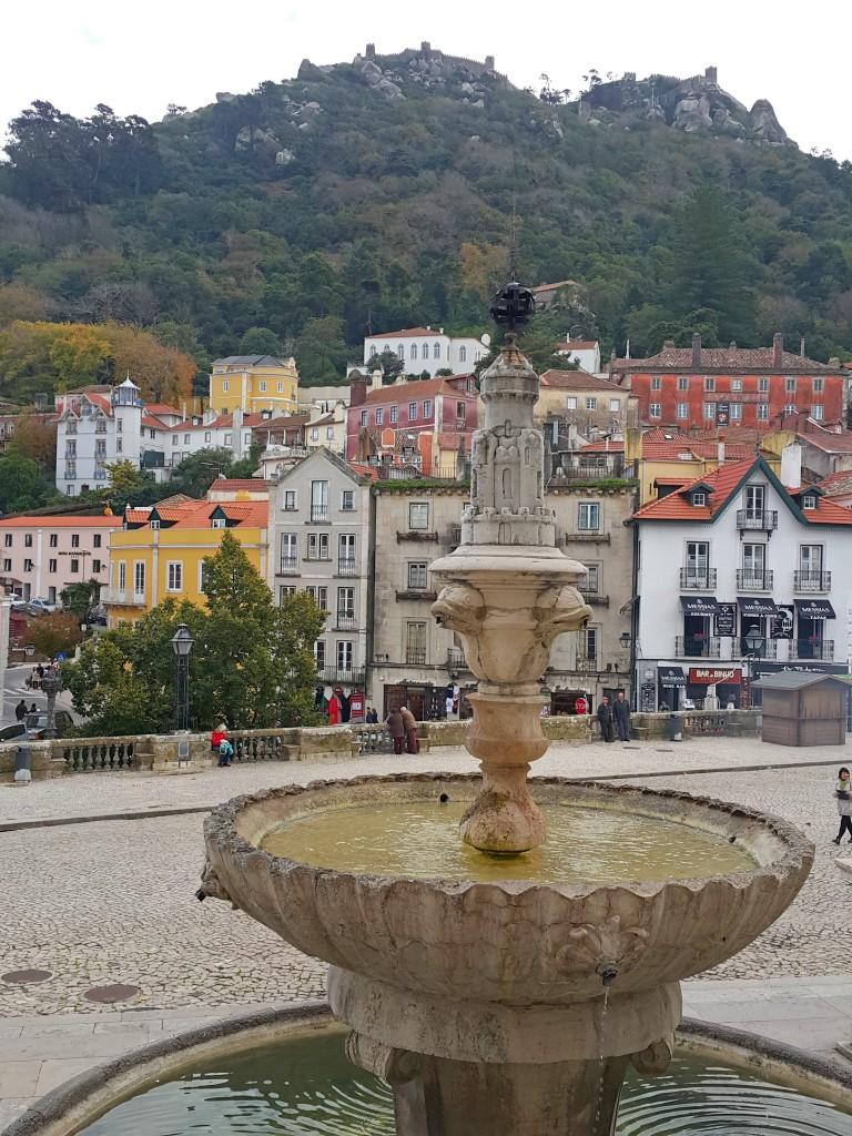 Sintra çok renkli bir Orta Çağ şehri...