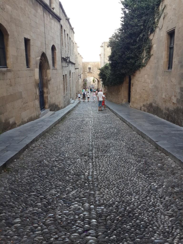 Şovalyelerden kalma eski şehir sokakları