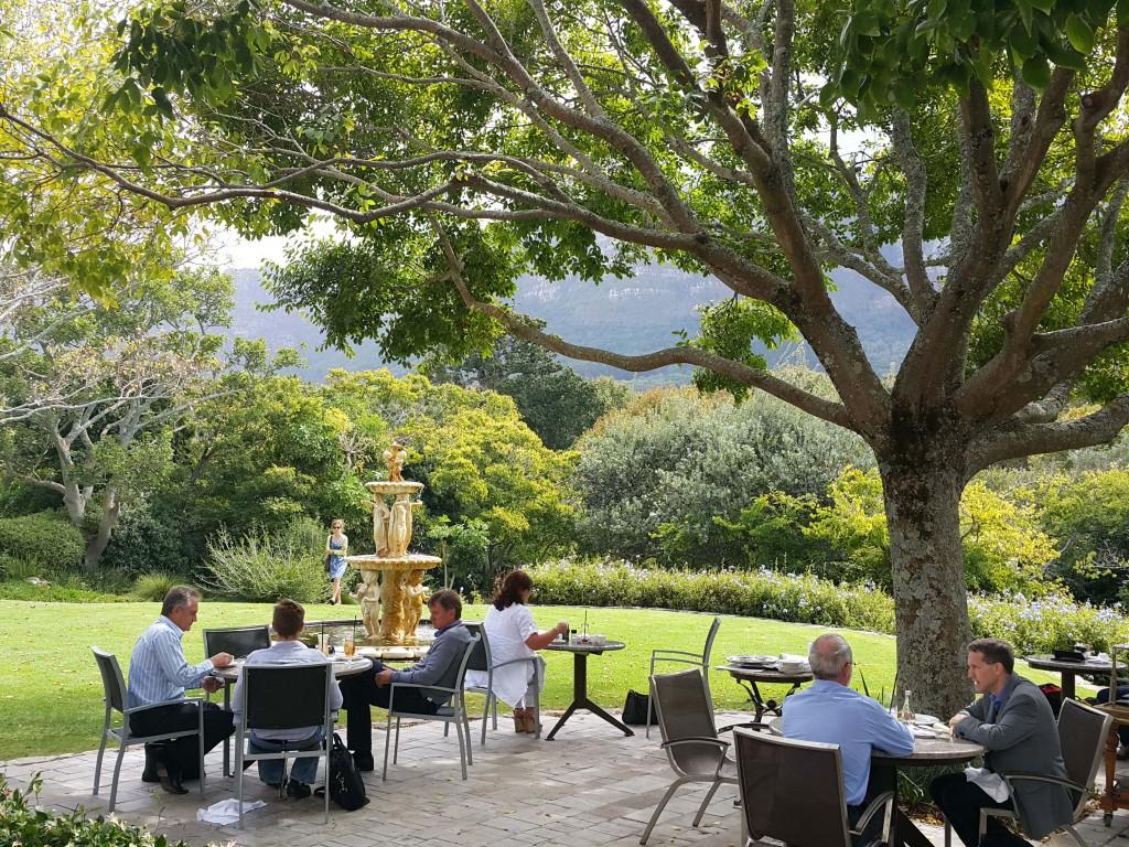 Vineyard'ın bahçe lounge'ı