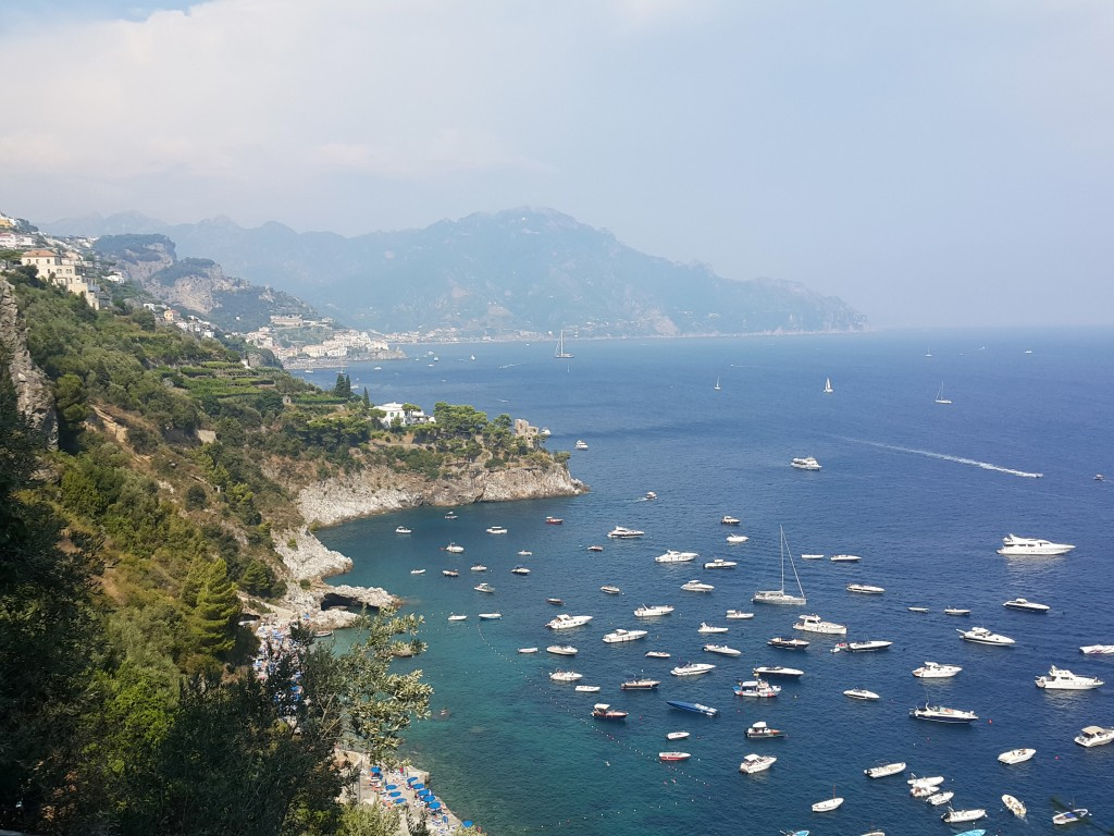 Amalfi 'deki güzel koylardan bir tanesi