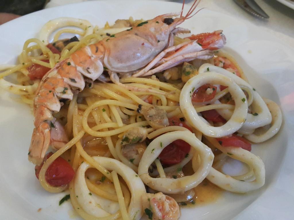 Deniz ürünlü spagetti
